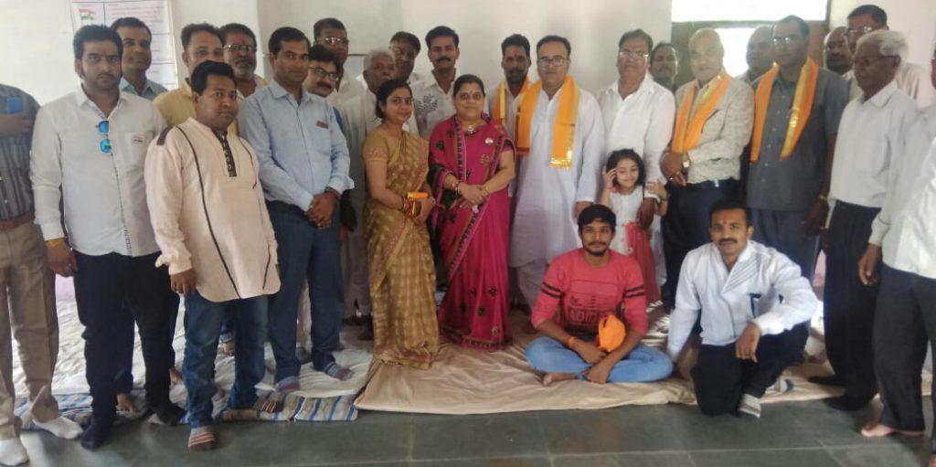 स्वतंत्रता दिवस पर 123 लोगों ने किया रक्त दान – आर्ट ऑफ लिविंग द्वारा 7वां शिविर आयोजित