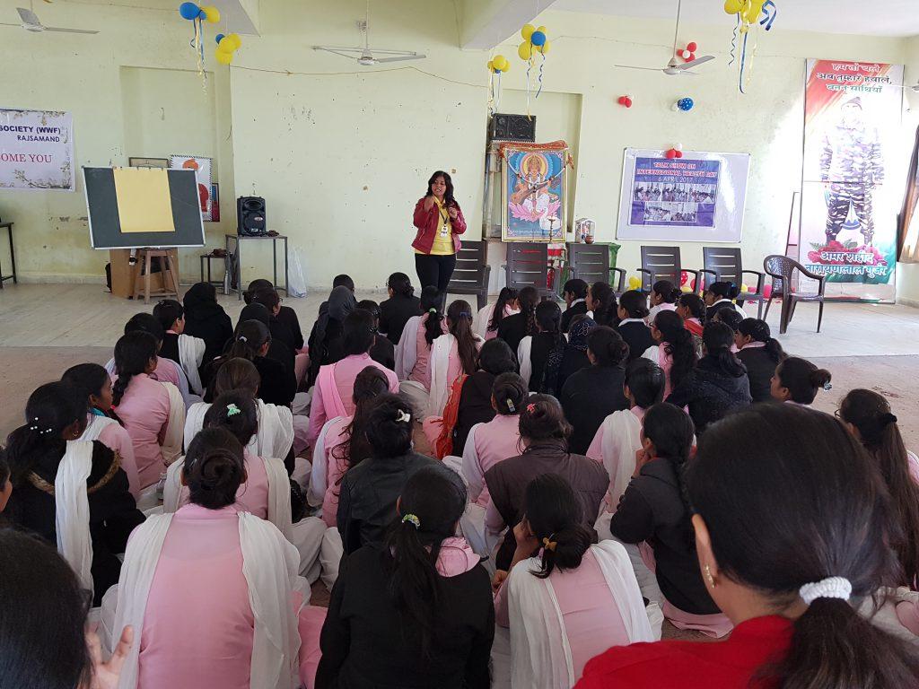 व्यक्तित्व विकास सेमिनार के साथ स्थापना दिवस का आयोजन