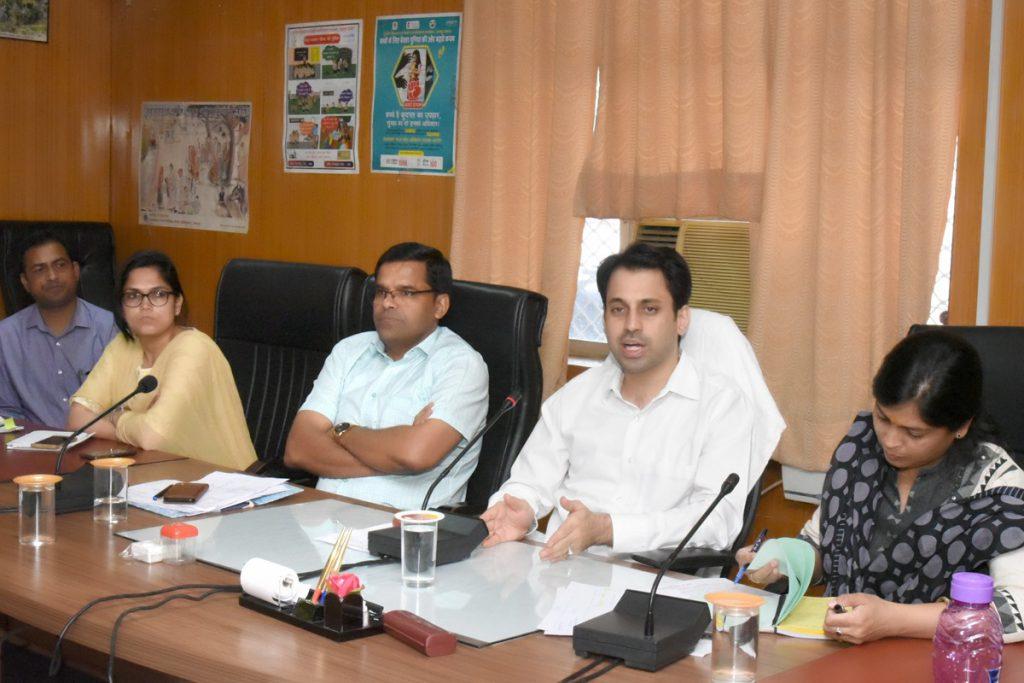 सरकार की 100 दिवसीय कार्य योजना से संबंधित प्रगति की समीक्षा की,  विभागीय लक्ष्यों की जल्द से जल्द करें प्राप्ति – अरविन्द कुमार पोसवाल