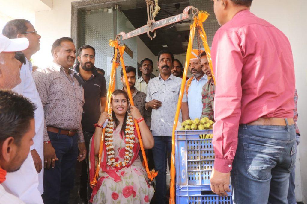 दीप्ति माहेश्वरी ने गांवों में किया जनसम्पर्क,समर्थकों ने जगह-जगह किया स्वागत