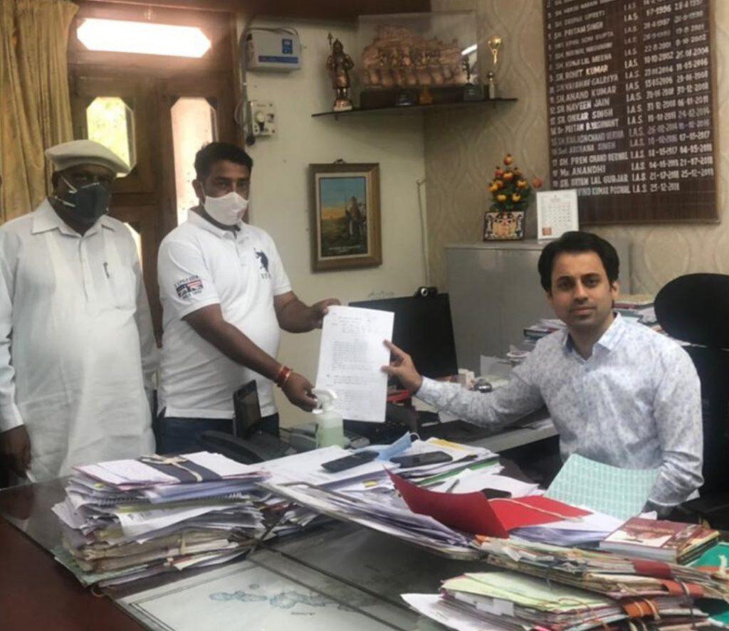 मेवाड़ क्षत्रिय महासभा द्वारा राजसमंद के कलेक्टर व एसपी को दिया गया ज्ञापन