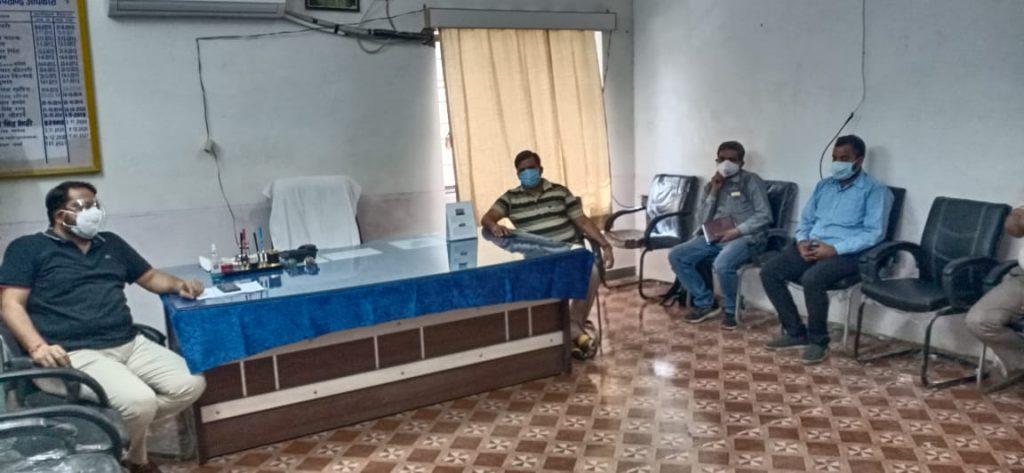 भीम विधायक सुदर्शन सिंह रावत ने कोरोना के रोकथाम के लिये क्षेत्र में निःशुल्क दवाईयों के वितरण पर की चर्चा